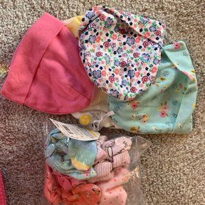 NWT baby hats and mittens